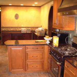 Remodeled Kitchen with Penninsula